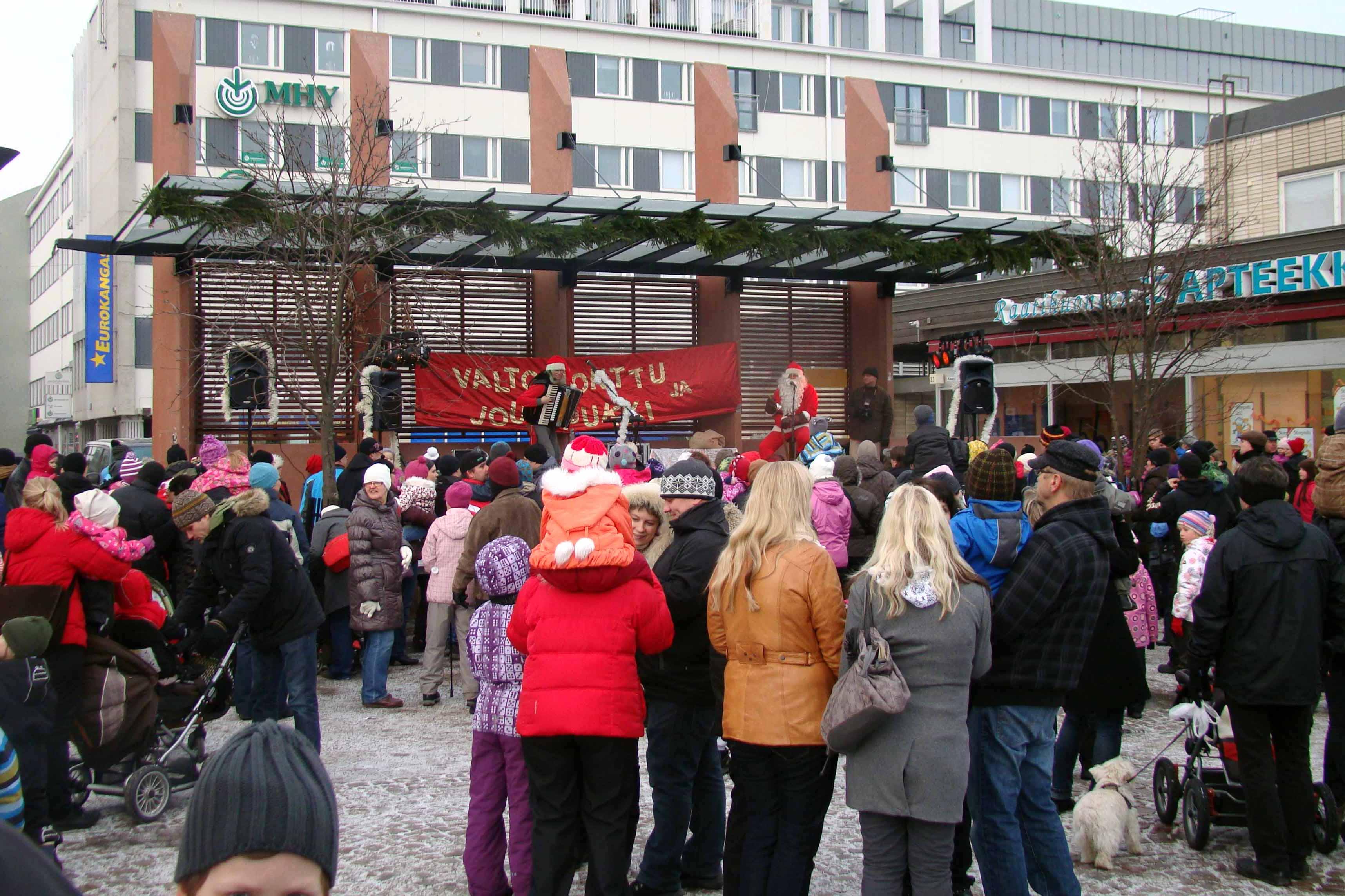 Valto-tonttu ja Joulupukki joulukonsertti 2017! Puh: 040-5466 953