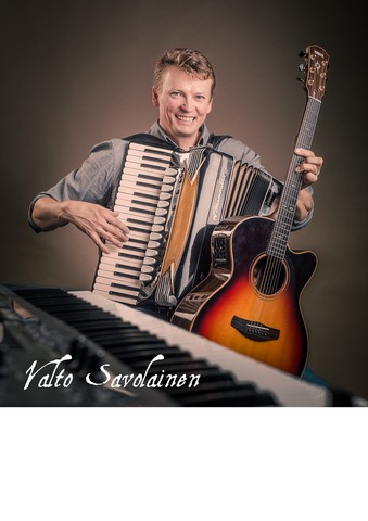 Valto Savolainen one man band juliste, koko A3